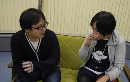 デザイナーの町田さんと赤塚さんが話している
